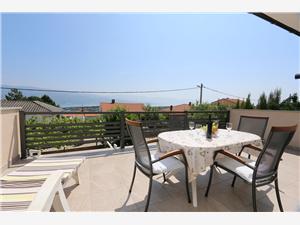 Апартамент SKVICALO Silo - ostrov Krk, квадратура 60,00 m2, Воздух расстояние до центра города 500 m