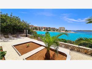 Dom Villa Fox Kanica, Powierzchnia 80,00 m2, Odległość do morze mierzona drogą powietrzną wynosi 5 m, Odległość od centrum miasta, przez powietrze jest mierzona 10 m