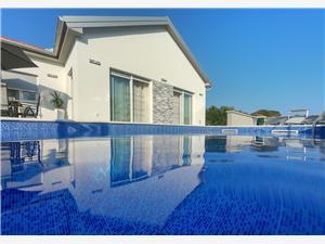 вилла Nicolle Privlaka (Zadar), квадратура 90,00 m2, размещение с бассейном, Воздуха удалённость от моря 150 m