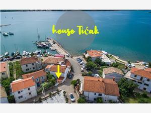 Appartementen Ticak Kvarner eilanden, Kwadratuur 55,00 m2, Lucht afstand tot de zee 50 m, Lucht afstand naar het centrum 50 m
