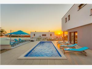 Haus Lea Magdalena Malinska - Insel Krk, Größe 220,00 m2, Privatunterkunft mit Pool
