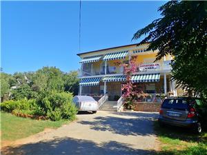 Apartmány Nada-on quiet location in center of Starigrad Starigrad Paklenica, Rozloha 40,00 m2, Vzdušná vzdialenosť od mora 50 m, Vzdušná vzdialenosť od centra miesta 50 m
