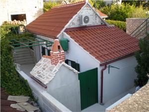 Casa Menego Bol - isola di Brac, Dimensioni 30,00 m2, Distanza aerea dal mare 100 m, Distanza aerea dal centro città 200 m