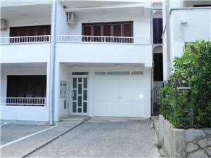 Appartamenti Kresic-Budimir Baska - isola di Krk,Prenoti Appartamenti Kresic-Budimir Da 111 €