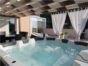 Apartmaji jacuzzi Umag,Rezerviraj Apartmaji jacuzzi Od 175 €