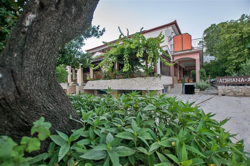 Apartmaji in Sobe Adriana-close to Paklenica NP
