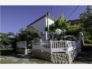 Huis Predrag Kvarner eilanden, Stenen huize, Kwadratuur 200,00 m2, Lucht afstand naar het centrum 200 m