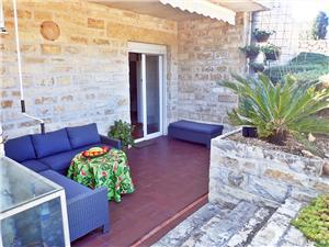Apartmány Blue Ivy-close to pebble beach Rovanjska, Prostor 56,00 m2, Vzdušní vzdálenost od moře 80 m, Vzdušní vzdálenost od centra místa 500 m