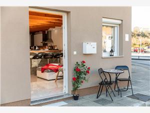 Appartementen July Novi Vinodolski (Crikvenica),Reserveren Appartementen July Vanaf 84 €