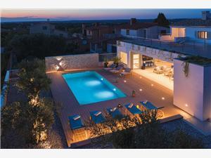 Villa Balizerka Stinjan (Pula), Rozloha 340,00 m2, Ubytovanie sbazénom, Vzdušná vzdialenosť od centra miesta 500 m