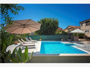 Villa Fortin Stinjan (Pula), Dimensioni 190,00 m2, Alloggi con piscina, Distanza aerea dal centro città 190 m