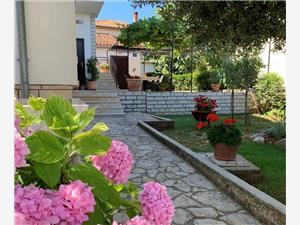 Дома для отдыха голубые Истрия,Резервирай Dorina От 57 €