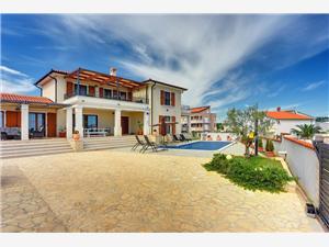 Hébergement avec piscine L'Istrie bleue,Réservez Evelyn De 379 €