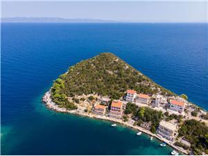 Appartements IVAN Zaklopatica - île de Lastovo, Superficie 70,00 m2, Distance (vol d'oiseau) jusque la mer 30 m