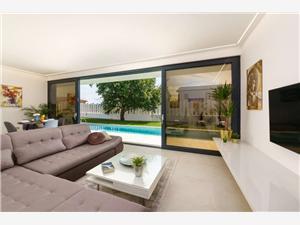 Villa Clarum Novigrad, квадратура 180,00 m2, размещение с бассейном