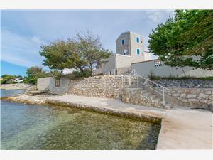 Objekt Blue Stone House Caska - otok Pag, Kamena kuća, Kvadratura 180,00 m2, Zračna udaljenost od mora 10 m