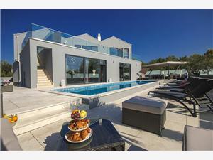 Privat boende med pool Birdhouse Kastelir,Boka Privat boende med pool Birdhouse Från 3640 SEK