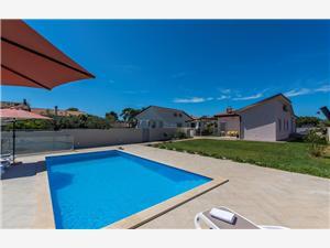 Villa Kavaljer Novigrad, Size 130.00 m2, Accommodation with pool