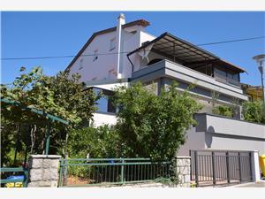 Apartamenty Sunset Njivice - wyspa Krk, Powierzchnia 55,00 m2, Odległość do morze mierzona drogą powietrzną wynosi 200 m, Odległość od centrum miasta, przez powietrze jest mierzona 100 m