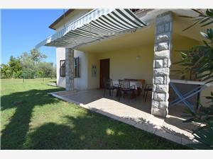 Апартамент Anica Njivice - ostrov Krk, квадратура 70,00 m2, Воздуха удалённость от моря 100 m, Воздух расстояние до центра города 5 m