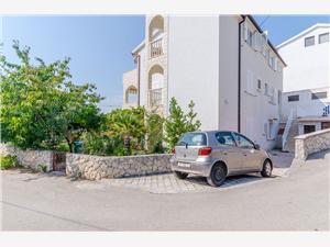 Appartamenti Tily Okrug Gornji (Ciovo),Prenoti Appartamenti Tily Da 58 €