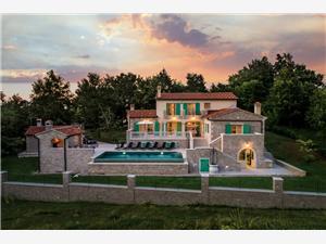 Villa Valffiorita Pazin, Kvadratura 350,00 m2, Namestitev z bazenom