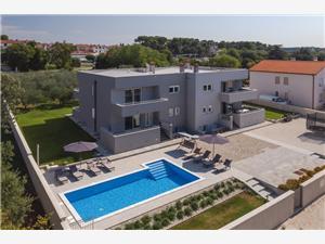 Alloggi con piscina T&D Pola (Pula),Prenoti Alloggi con piscina T&D Da 320 €
