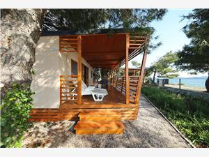 Mobilní dům Kalcit Biograd, Prostor 32,00 m2, Vzdušní vzdálenost od moře 10 m