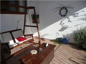 House Kraj Kraj, Stone house, Size 180.00 m2, Airline distance to the sea 200 m