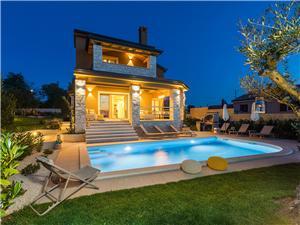 Alloggi con piscina pogledom Montona (Motovun),Prenoti Alloggi con piscina pogledom Da 340 €