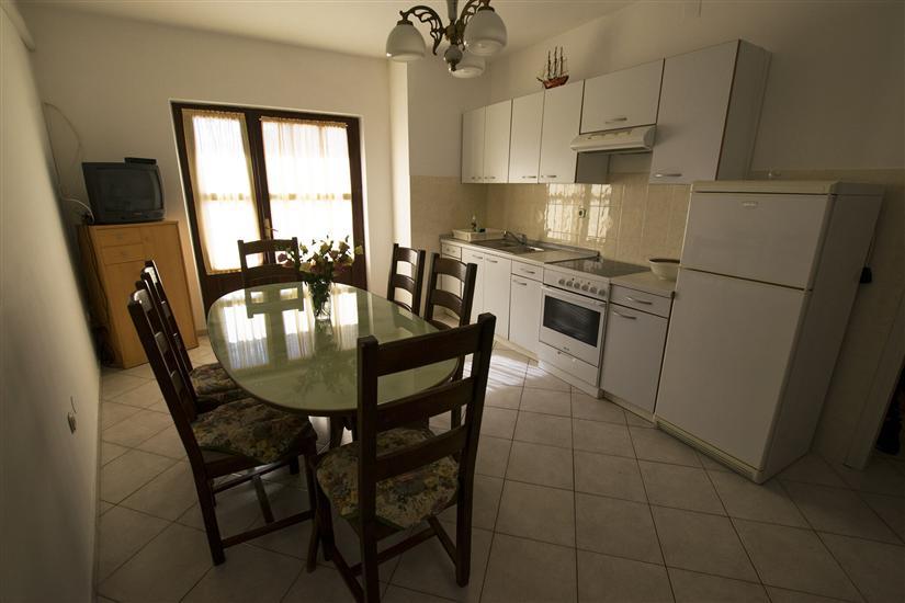Apartman A2, za 7 osoba/e