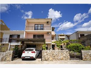 Apartments Zlata Stari Grad - island Hvar, Size 60.00 m2, Airline distance to town centre 800 m