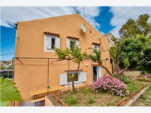 Kuća za odmor LINA , Kvadratura 180,00 m2, Zračna udaljenost od centra mjesta 300 m