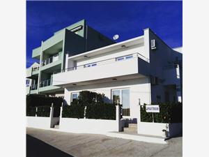 Appartementen Seka Komarna (Klek), Kwadratuur 38,00 m2, Lucht afstand tot de zee 150 m, Lucht afstand naar het centrum 150 m