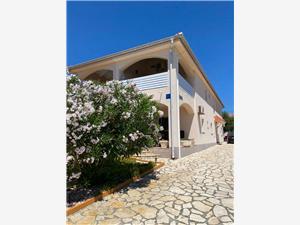 Apartamenty Strahija Barbat - wyspa Rab, Powierzchnia 30,00 m2, Odległość do morze mierzona drogą powietrzną wynosi 100 m, Odległość od centrum miasta, przez powietrze jest mierzona 150 m