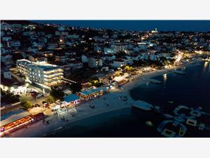 Ubytování u moře SHELL Okrug Gornji (Ciovo),Rezervuj Ubytování u moře SHELL Od 7184 kč