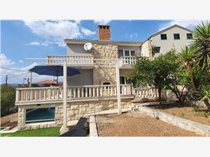 House MORETA Okrug Gornji (Ciovo), Size 180.00 m2, Accommodation with pool, Airline distance to the sea 200 m
