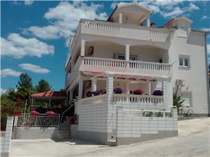 Lägenheter Tanja Slatine (Ciovo),Boka Lägenheter Tanja Från 711 SEK