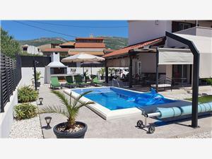 Kuća za odmor Fides Kaštel Novi, Kvadratura 90,00 m2, Smještaj s bazenom
