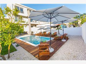 Apartmaji Turritella Biograd, Kvadratura 50,00 m2, Namestitev z bazenom