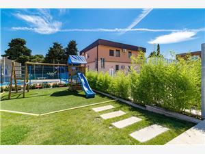 Alloggi con piscina 2 Pola (Pula),Prenoti Alloggi con piscina 2 Da 643 €