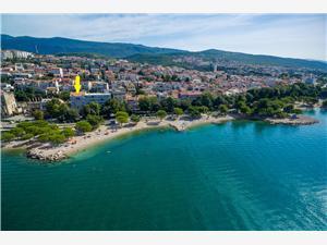 Appartement Laura Crikvenica, Superficie 15,00 m2, Distance (vol d'oiseau) jusque la mer 15 m, Distance (vol d'oiseau) jusqu'au centre ville 200 m