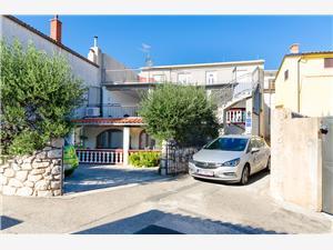 Апартаменты Goran Klenovica (Novi Vinodolski),Резервирай Апартаменты Goran От 58 €