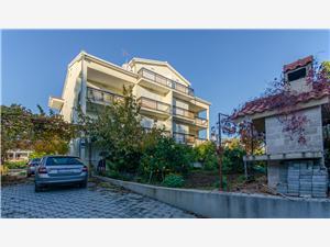 Apartmaji Ana Kastel Stafilic, Kvadratura 45,00 m2, Oddaljenost od morja 80 m