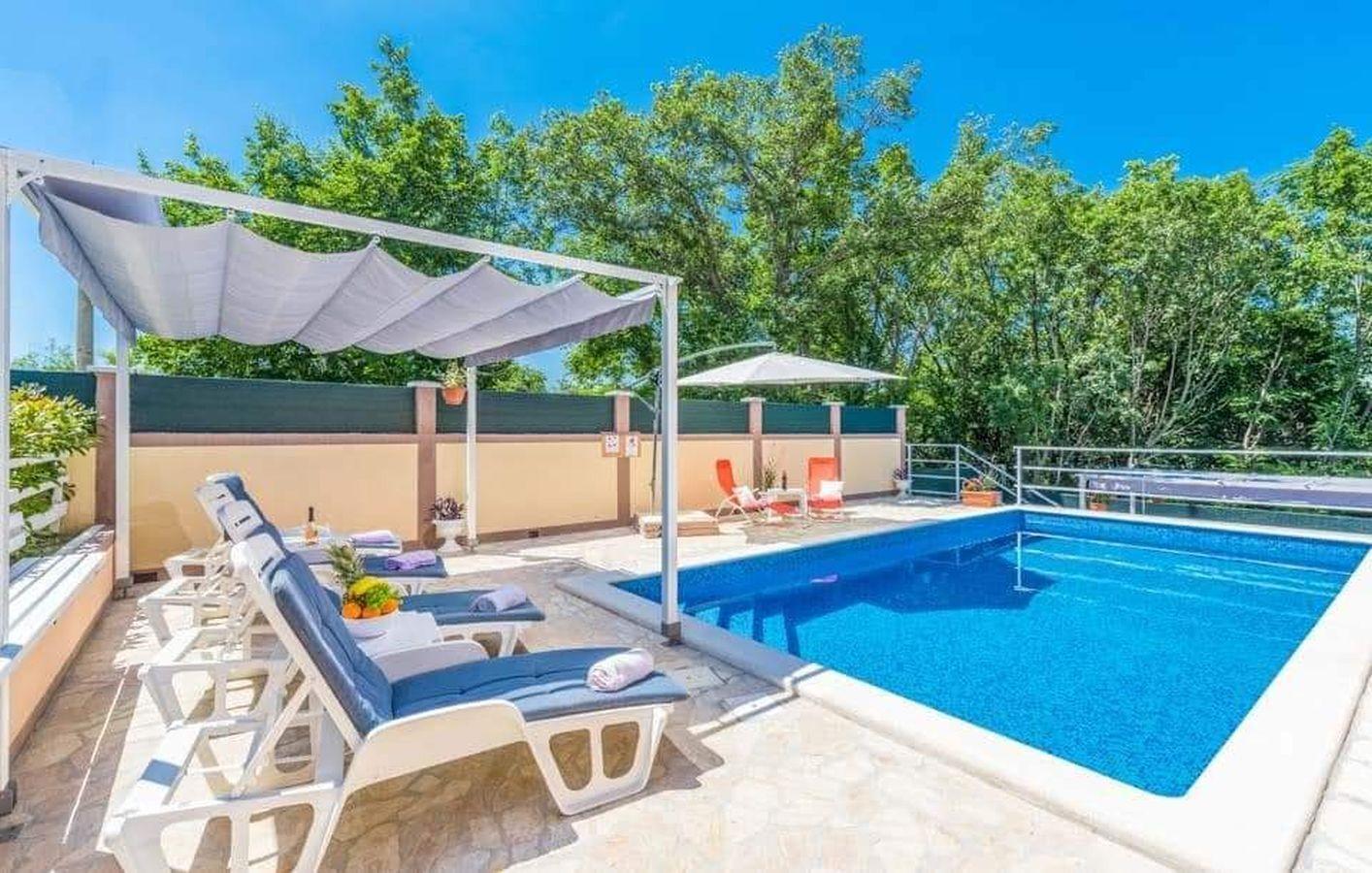 Alloggi con piscina l'Istria Blu,Prenoti Dina Da 181 €