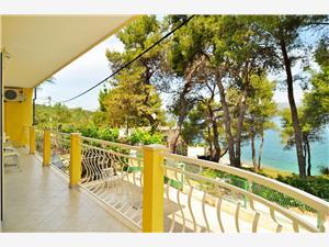 Ferienwohnung Seli Slatine (Ciovo), Größe 85,00 m2, Luftlinie bis zum Meer 20 m, Entfernung vom Ortszentrum (Luftlinie) 700 m