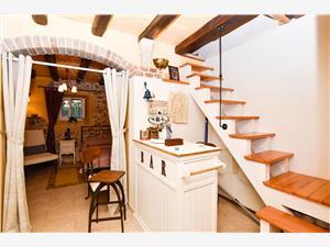 Дом Tomcat Хорватия, Каменные дома, квадратура 70,00 m2, Воздух расстояние до центра города 300 m