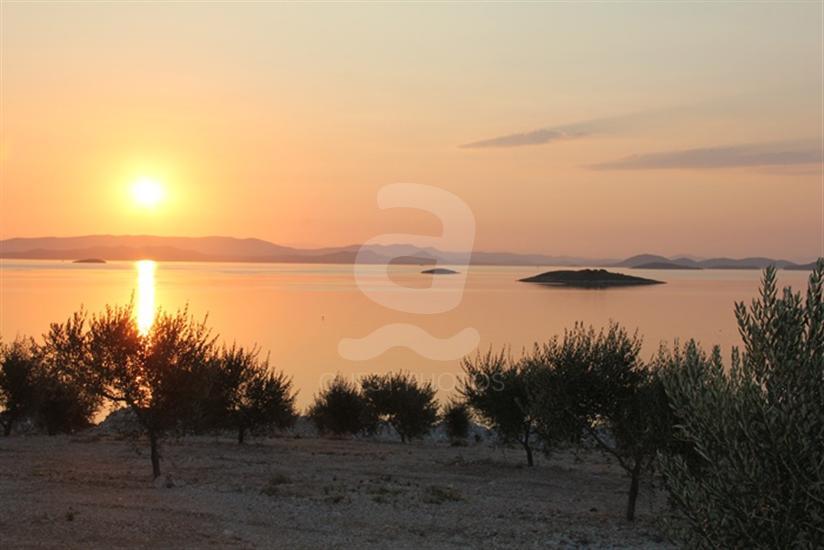Zizanj - otok Zizanj
