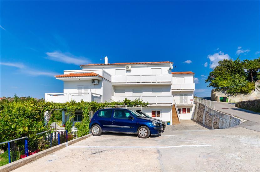 Apartamenty Pela