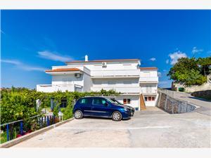 Apartmani Pela Kvarnerski otoci, Kvadratura 65,00 m2, Zračna udaljenost od centra mjesta 400 m